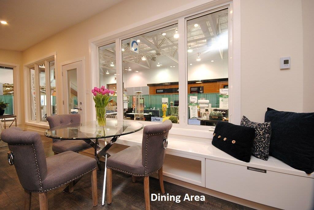 11 Oasis Dining Area