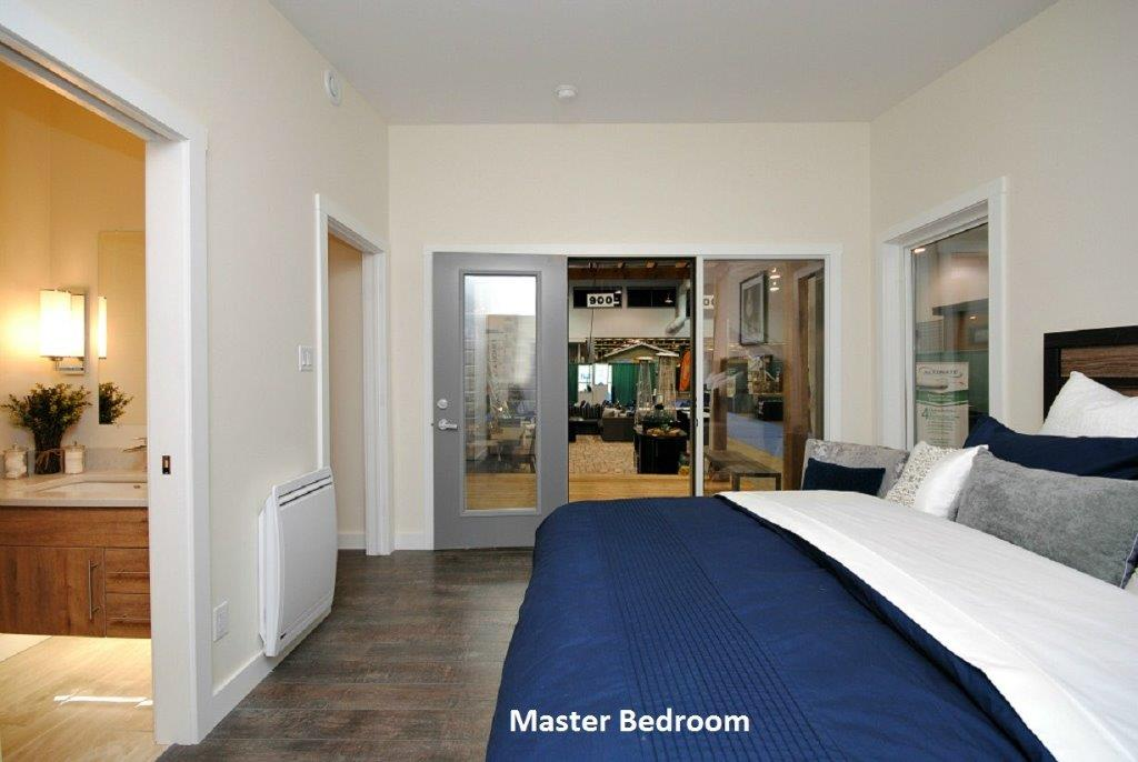 18 Oasis Master Bedroom