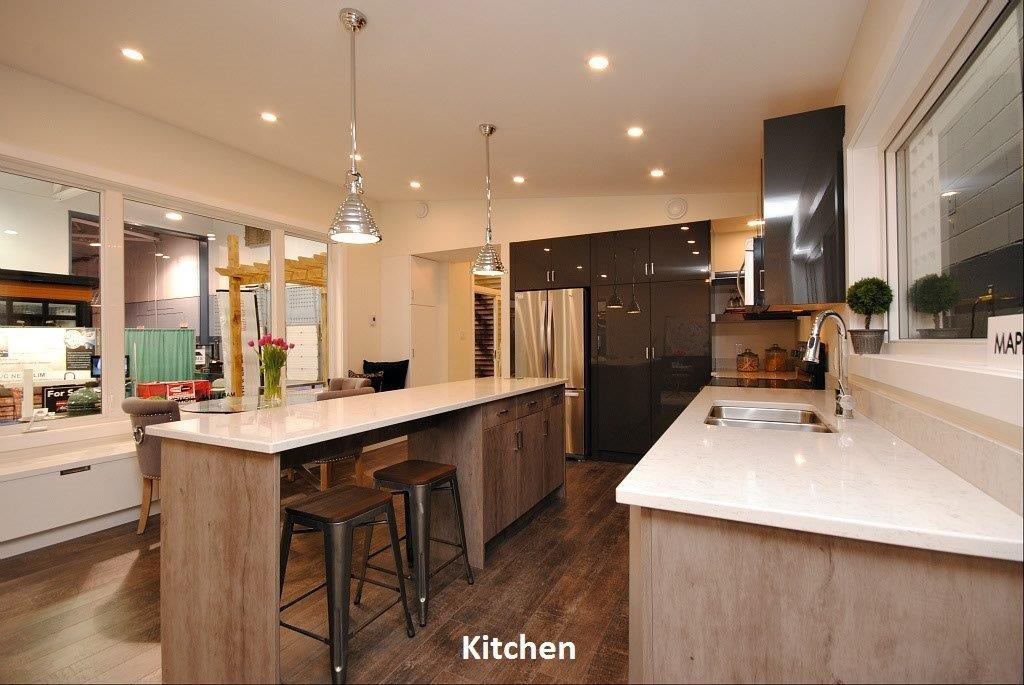 8 Oasis Kitchen